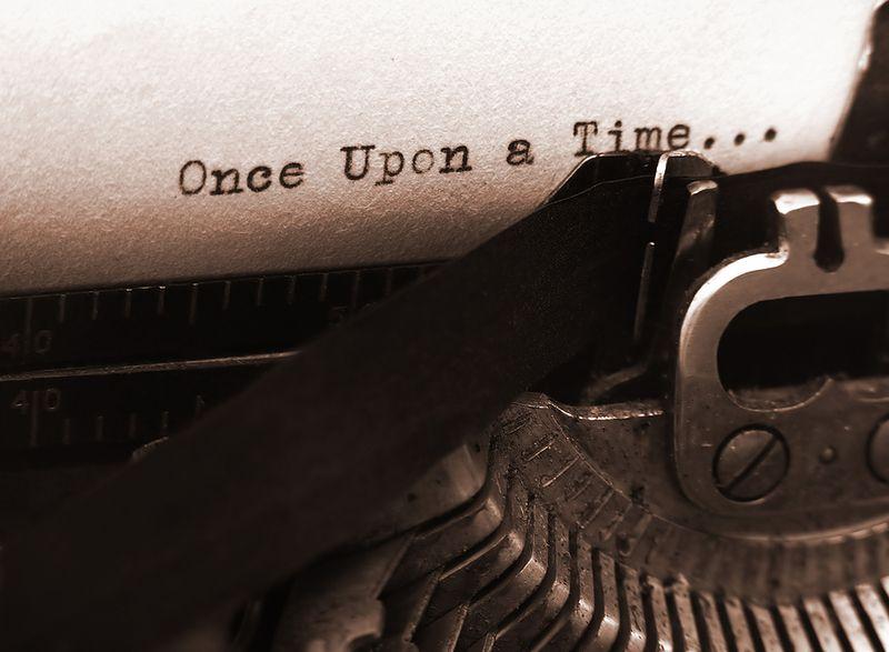 Old_Typewriter_focus_On_Text
